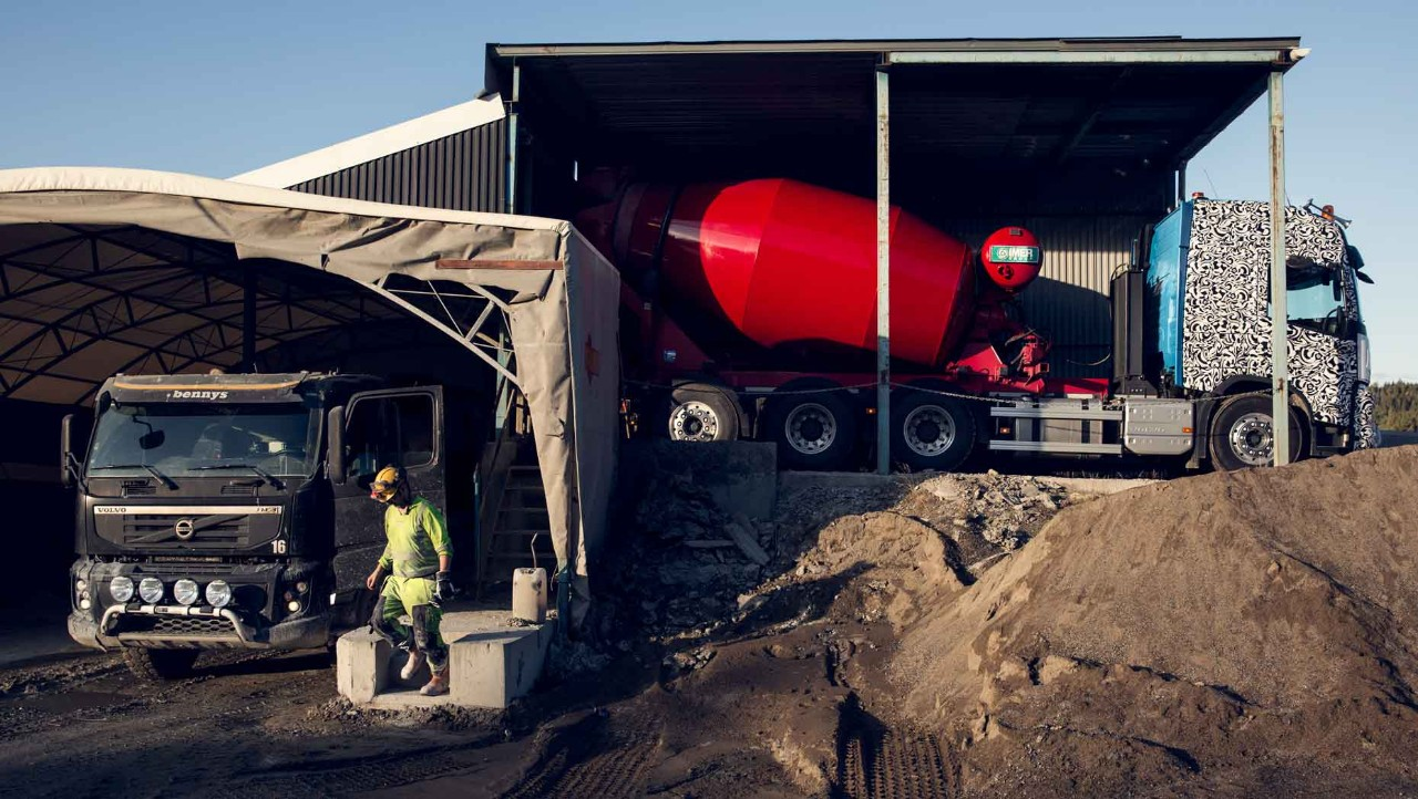 The new Volvo FMX deliver concrete to the Renström mine near Skellefteå